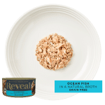 Image of a plate with Reveal ocean fish cat food